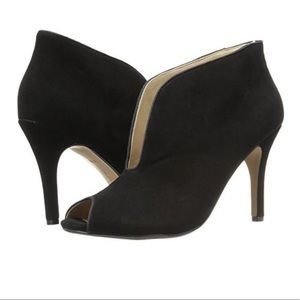 new Adrienne Vittadini Ankle suede black Booties